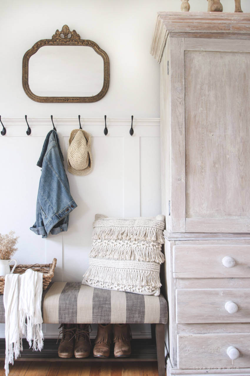 This simple bench with shoe storage is useful and beautiful!