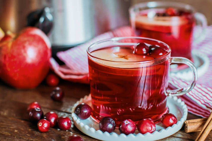 This cranberry and apple cider punch will be a huge success at your party!