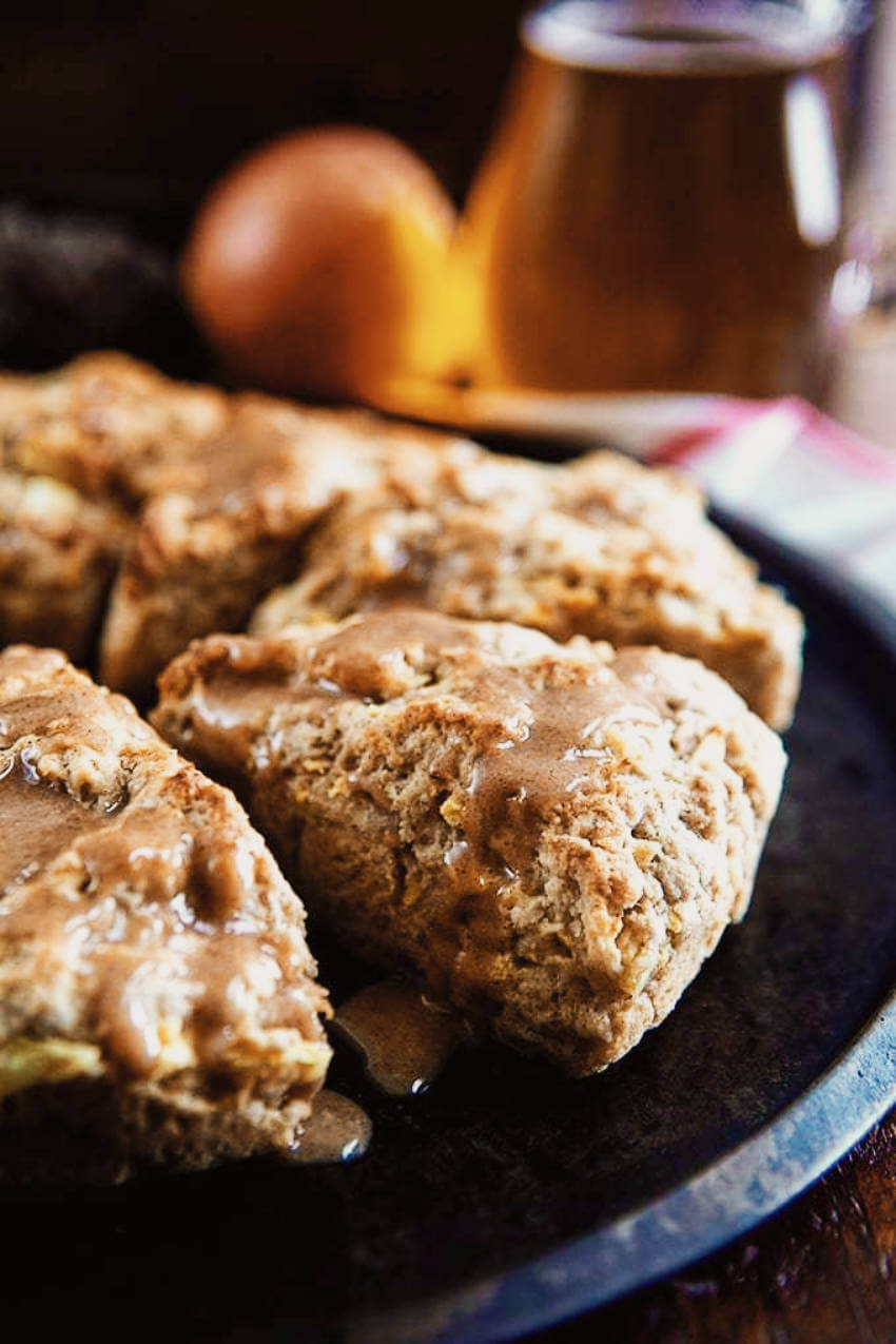 Every now and then it's nice to try something different and these cinnamon glazed apple scones are perfect for that!