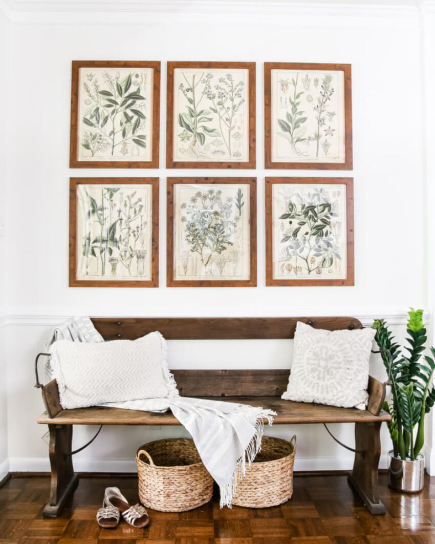 Botanical prints can be simple and eye-catching at the same time.