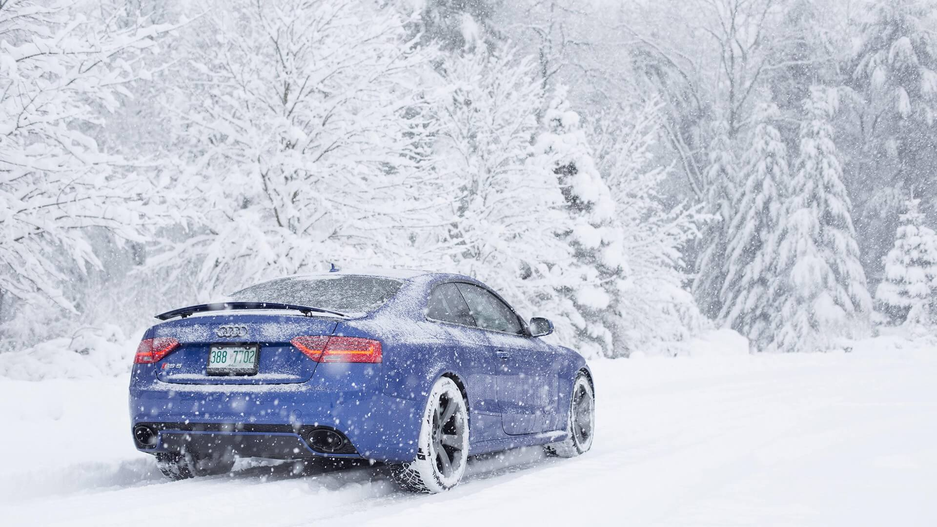 What to do if you get stranded in the snow in your car
