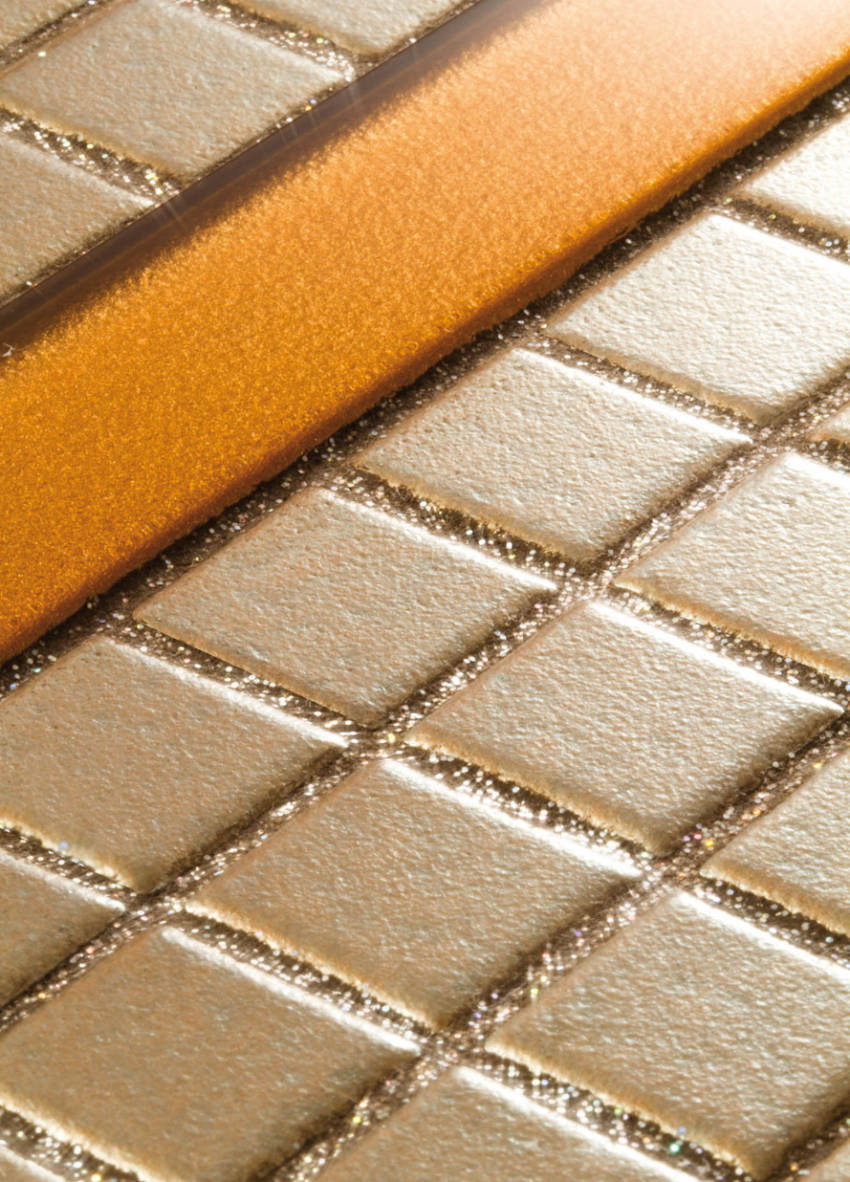 Golden glitter grout is perfect for warm palettes!