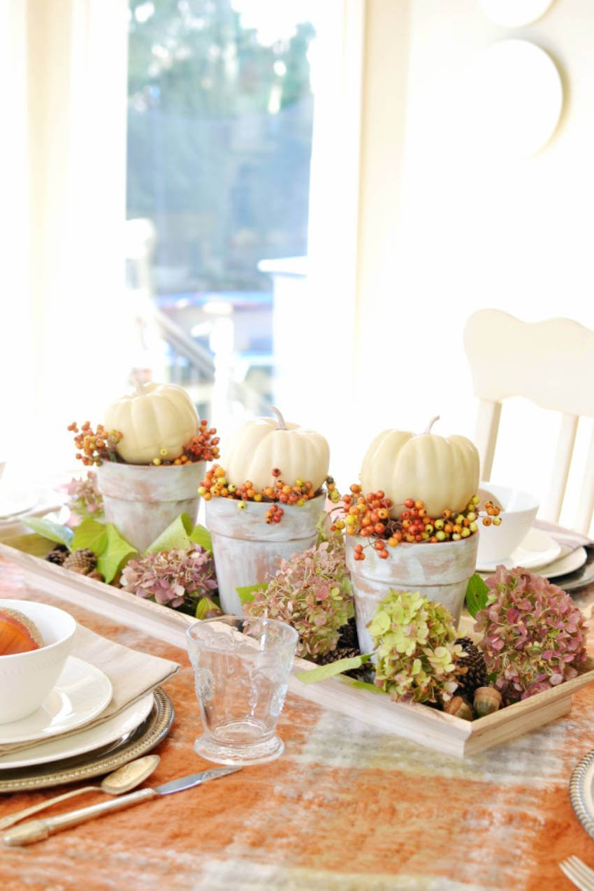 Going for bright colors and pumpkins is also a great choice!