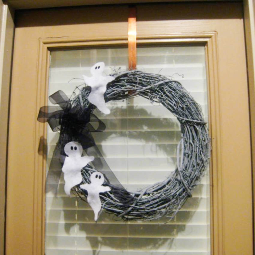 A wreath is simple, but really cool to have in your Halloween decoration arsenal!