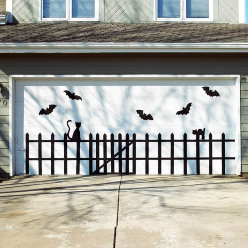 The garage door can get its own decor as well.