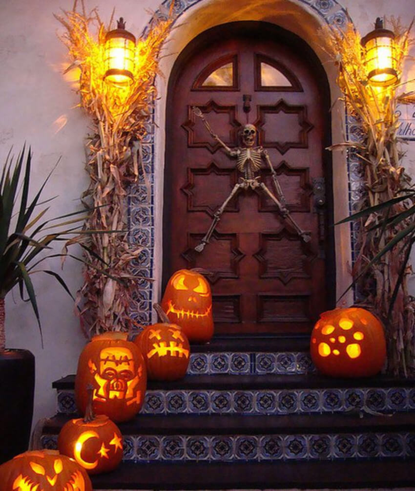 A skeleton is a Halloween classic, you need to have it somewhere in your decor.