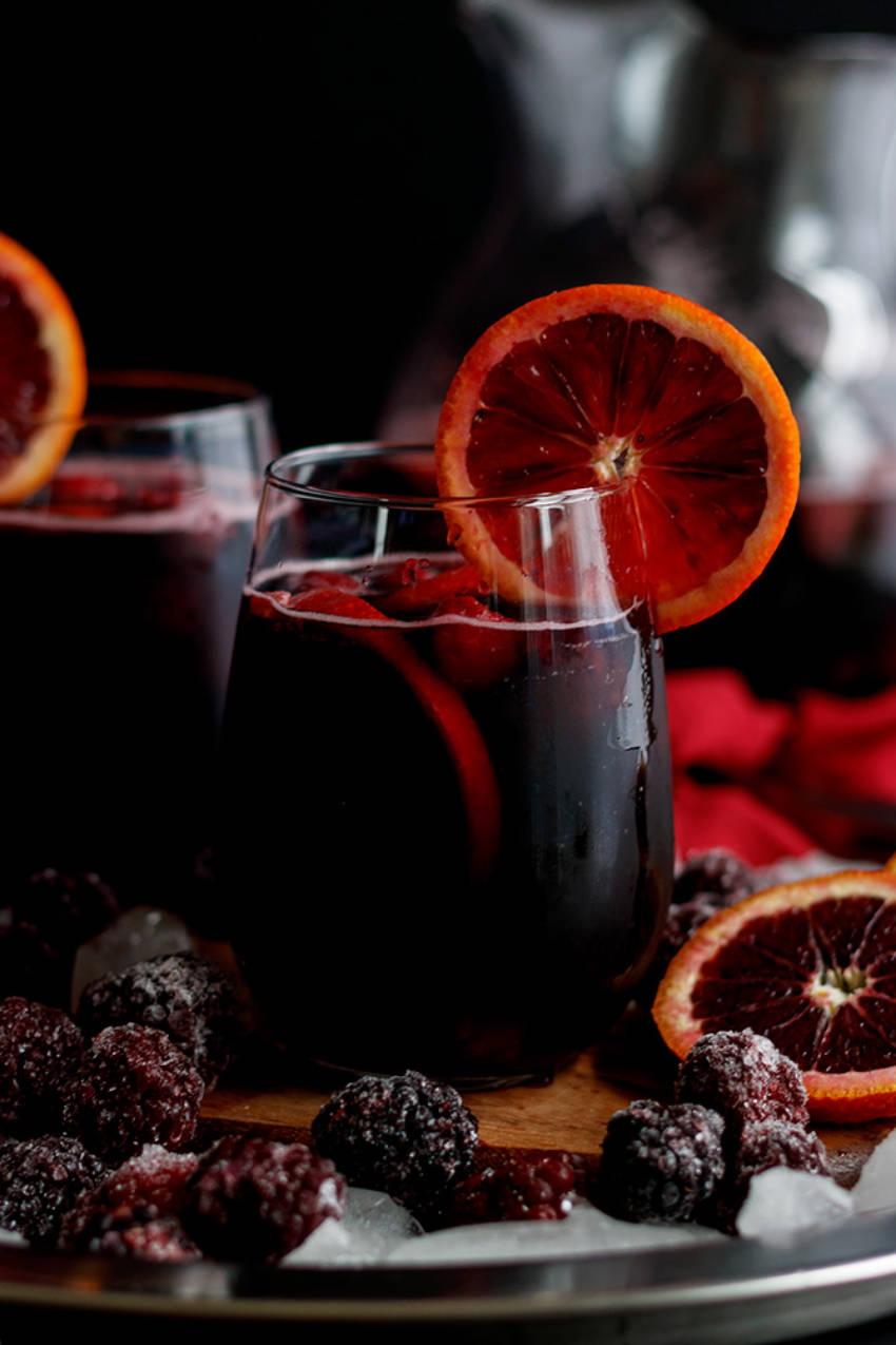 Blackberry sangrias for everyone!