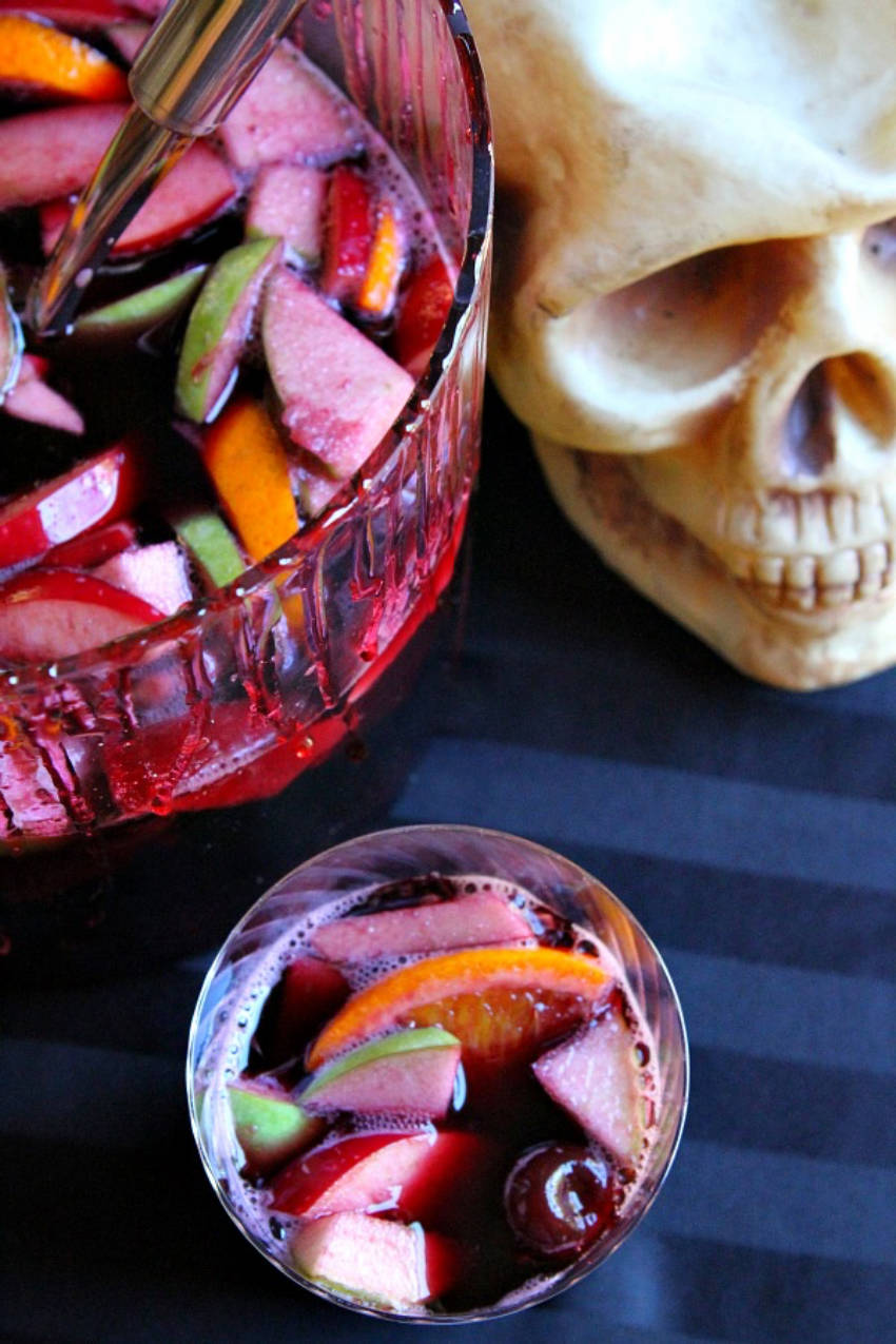 A simple and fruity sangria that's easy to do.