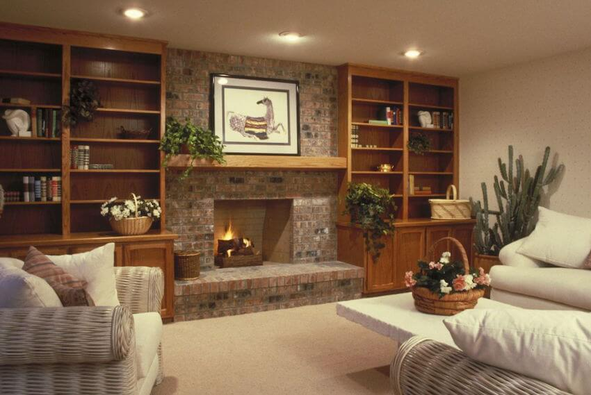 A living room fireplace mantel is a great alternative to gas heating