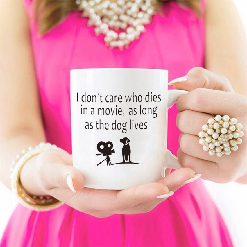 A mug that shares every dog lovers' feelings when watching a horror movie