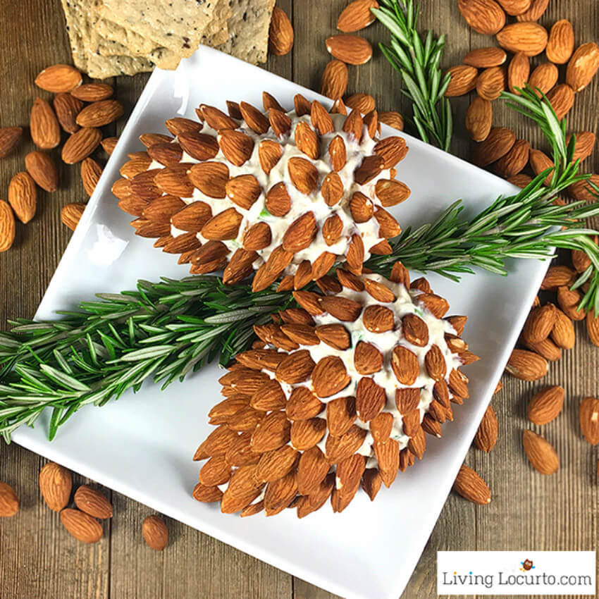 Doesn't this pinecone cheese ball look delicious?