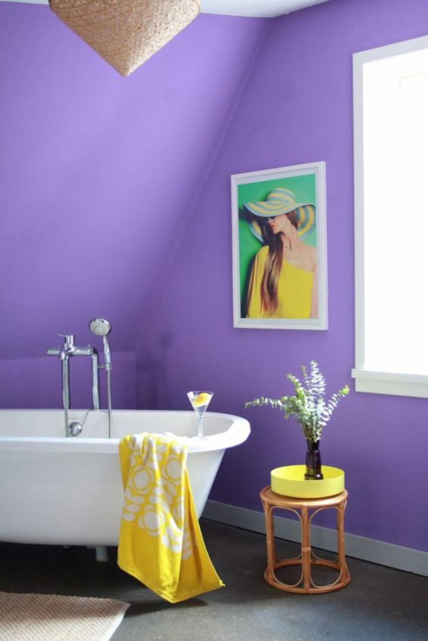 Ultra Violet walls make your bathroom full of good vibes!