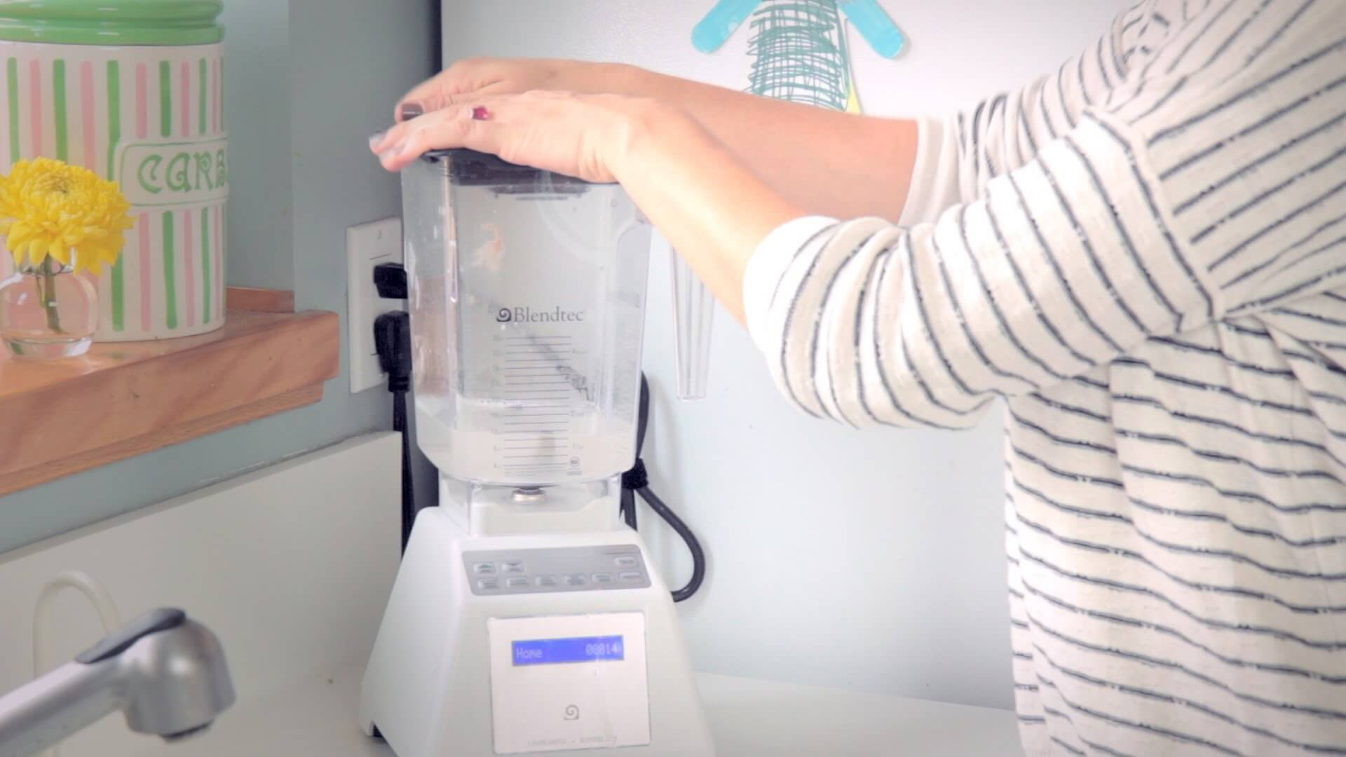 How to clean a blender the safe way