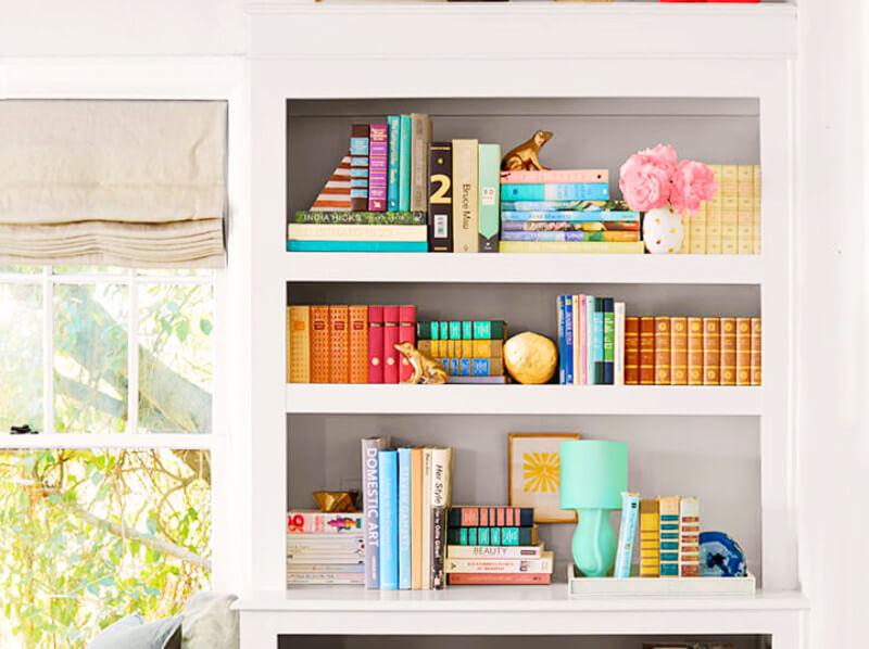 6 Creative Ideas on How To Style Your Bookshelf