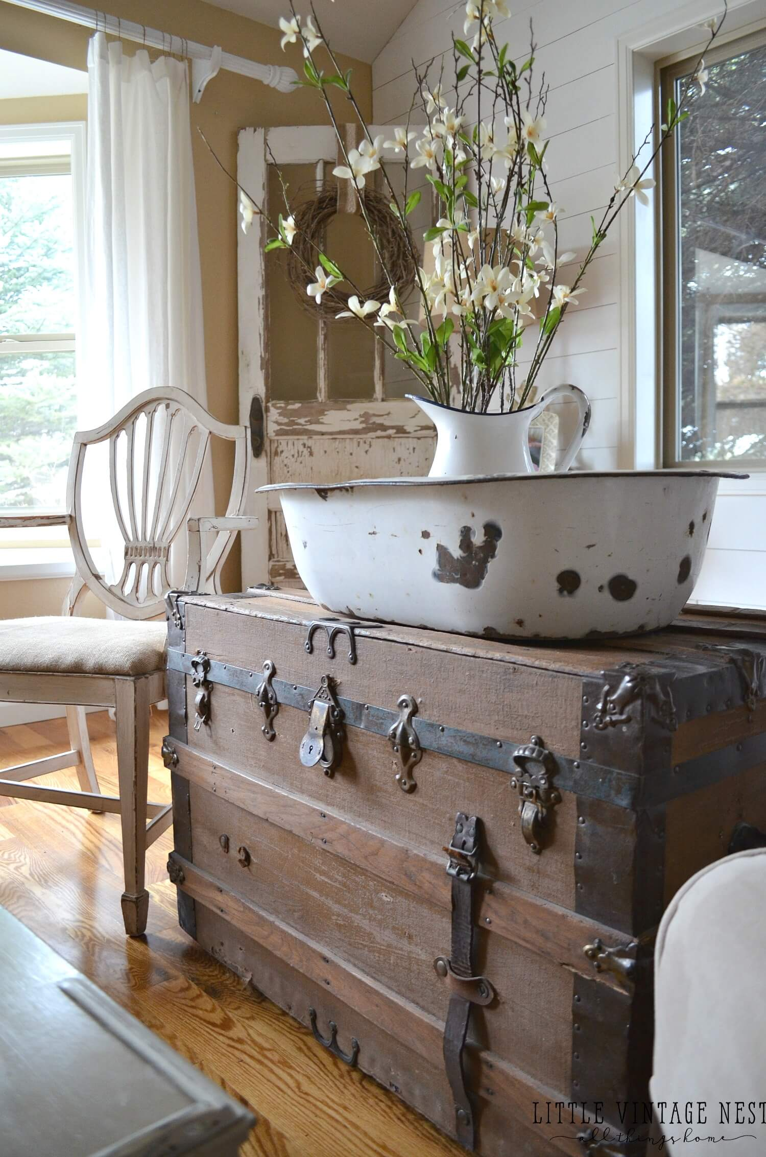 How To Incorporate Inherited Antiques With Modern Decor Homeyou,Color Code Personality Test Results