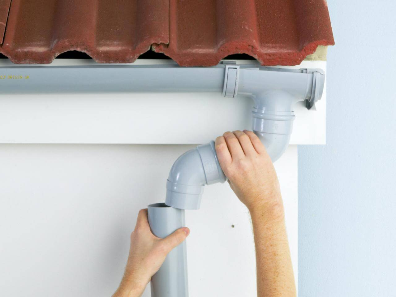 How to Keep your Gutters Clear for the Fall Season