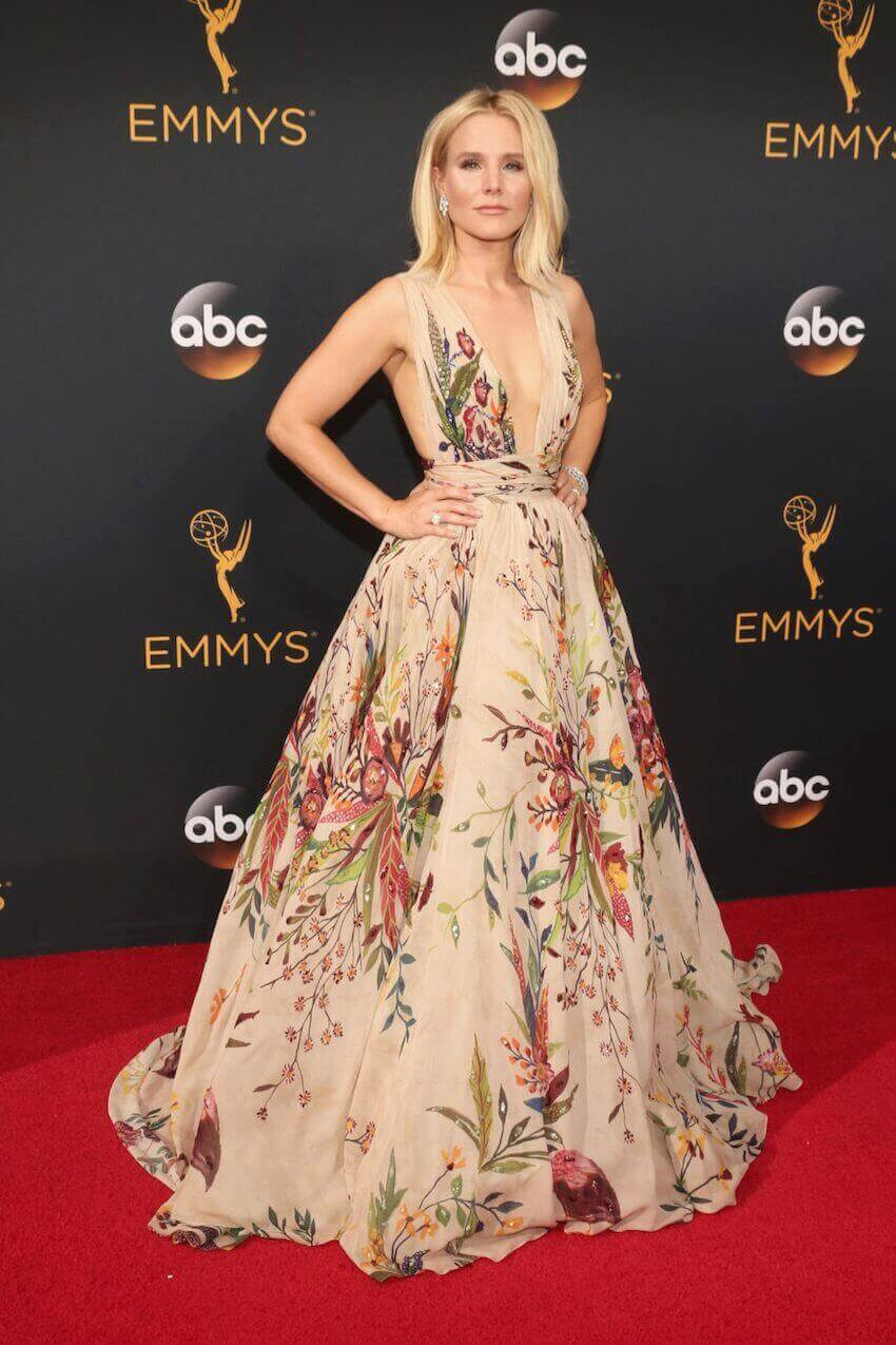 Floral painting decor: Kristen Bell has become America's quirky sweetheart and didn't disappoint on the red carpet this year.