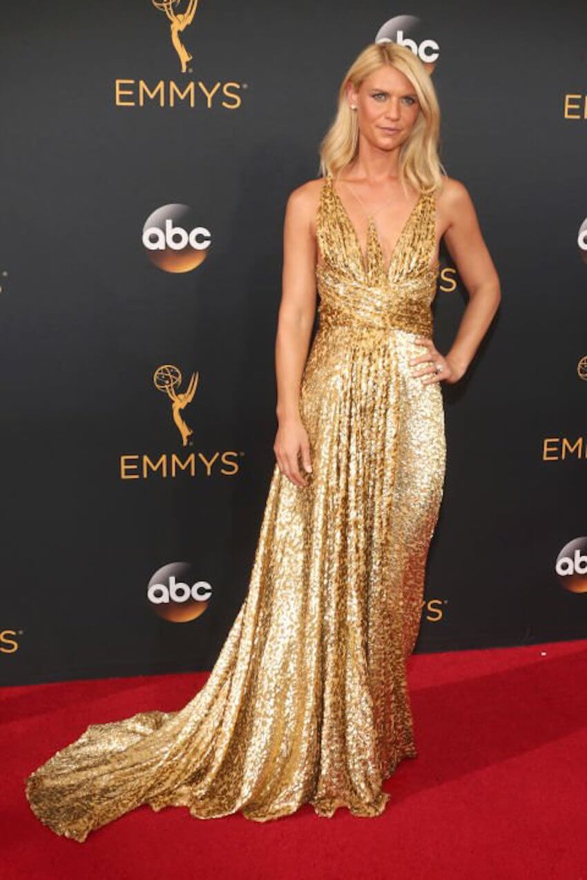 Interior design: Claire Danes impressed viewers with this classically beautiful gold Schiaparelli dress, styled with Forevermark diamonds.