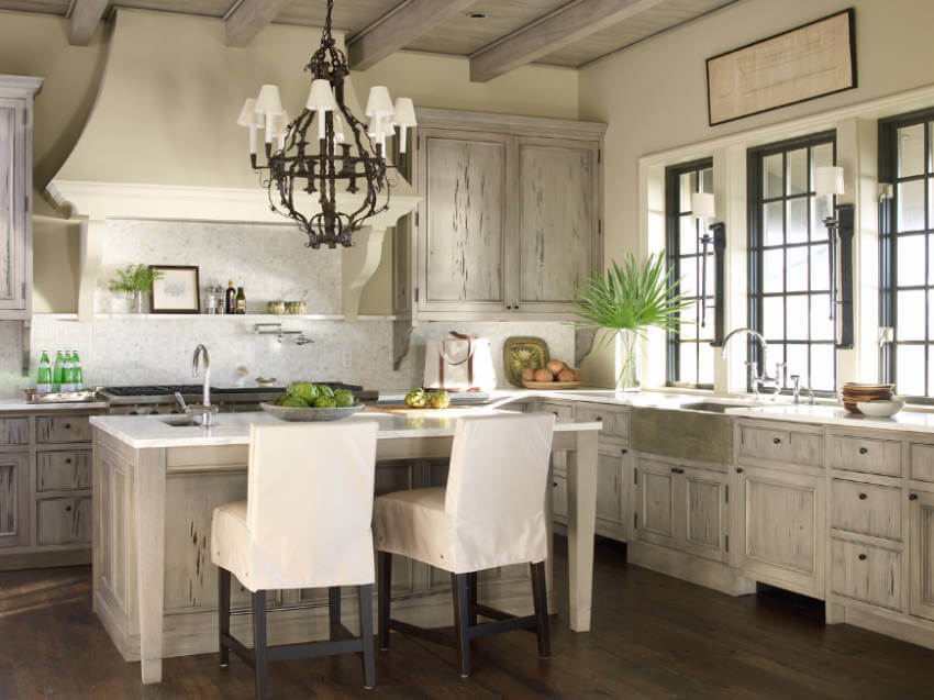 Pecky cypress looks gorgeous in any kitchen design