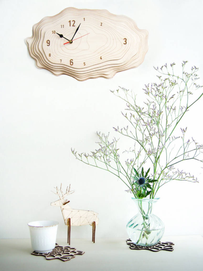 A simple and beautiful tree bark clock.
