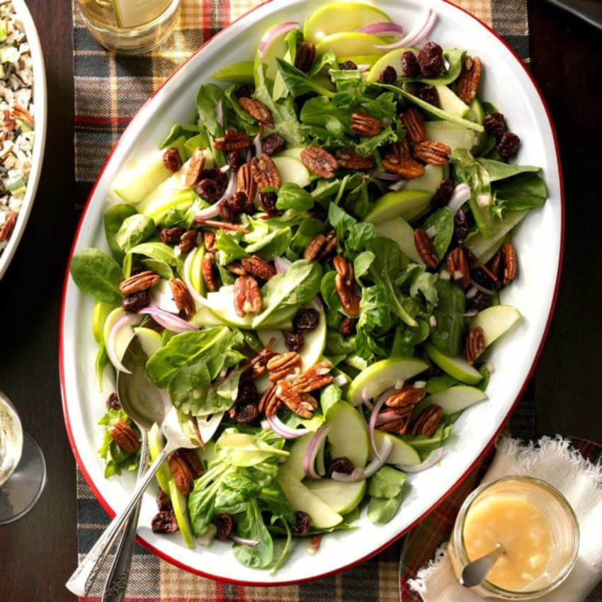 A salad is great to make people satisfied without feeling stuffed.
