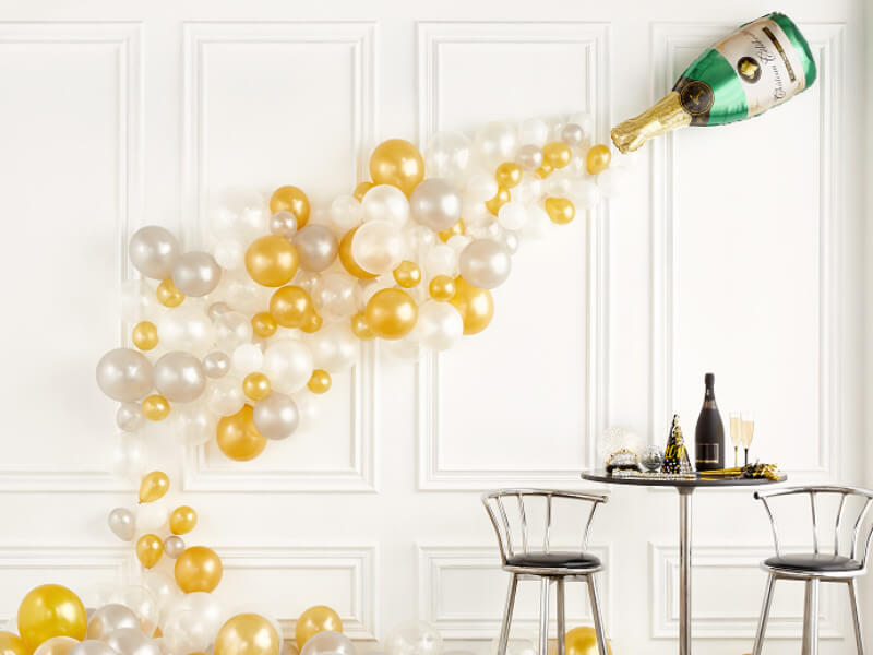 8 Quick Ideas for a Last-Minute New Year's Party