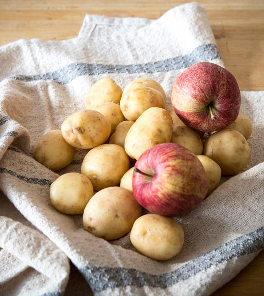 Potatoes and apples are best friends!