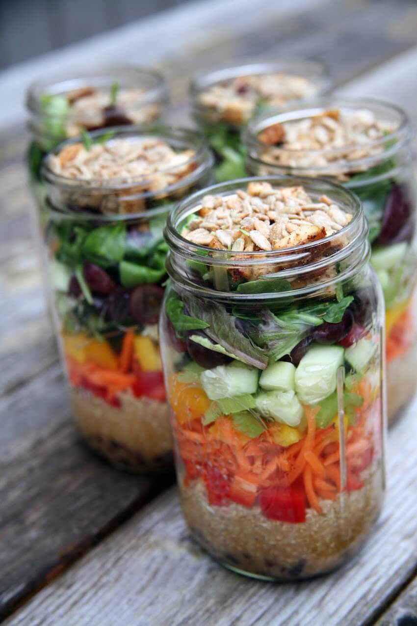 How to make a healthy, fast, and environmentally friendly Mason jar salad meal!