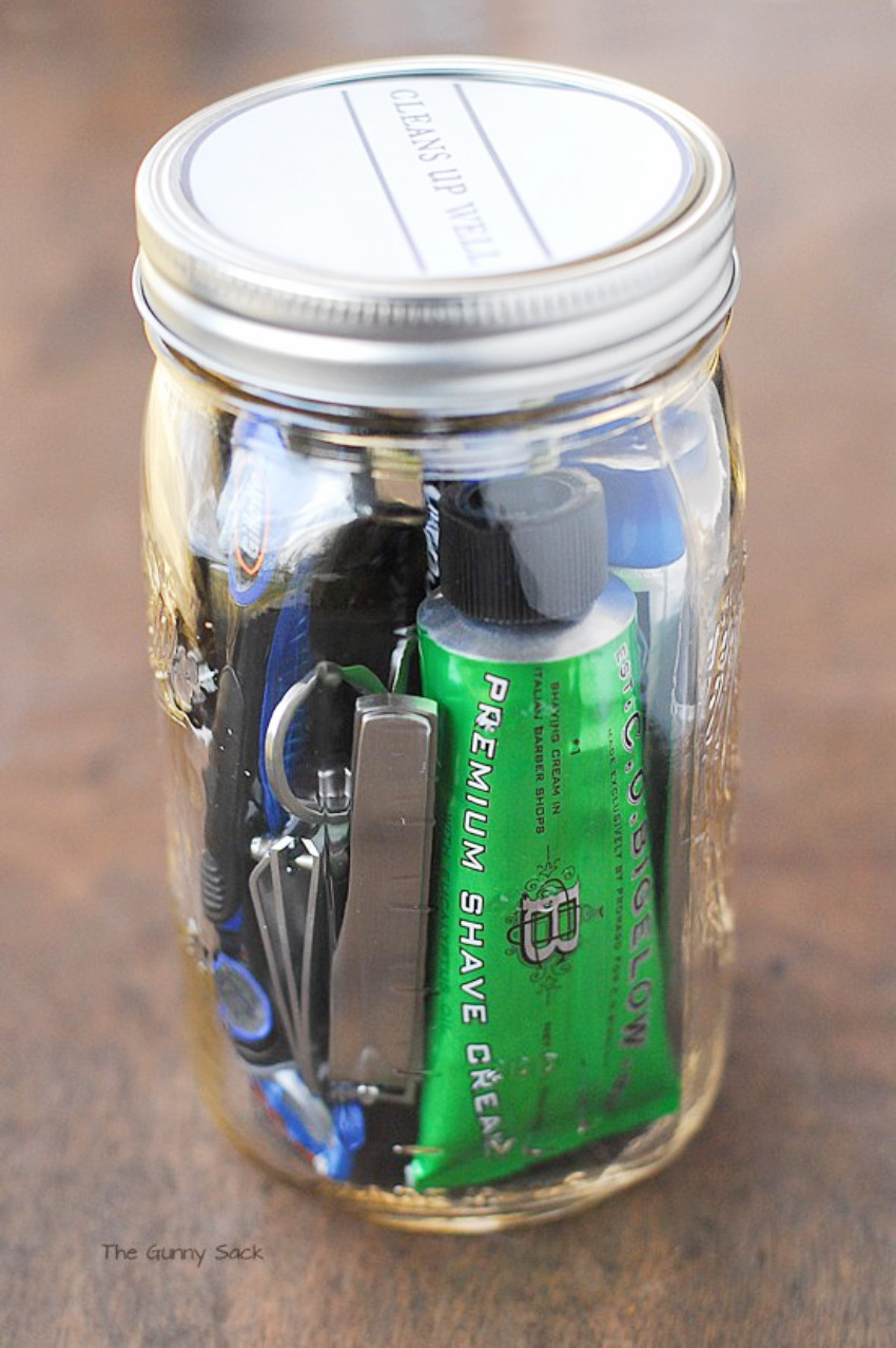 As a gift for him, fill a Mason jar with shaving items!
