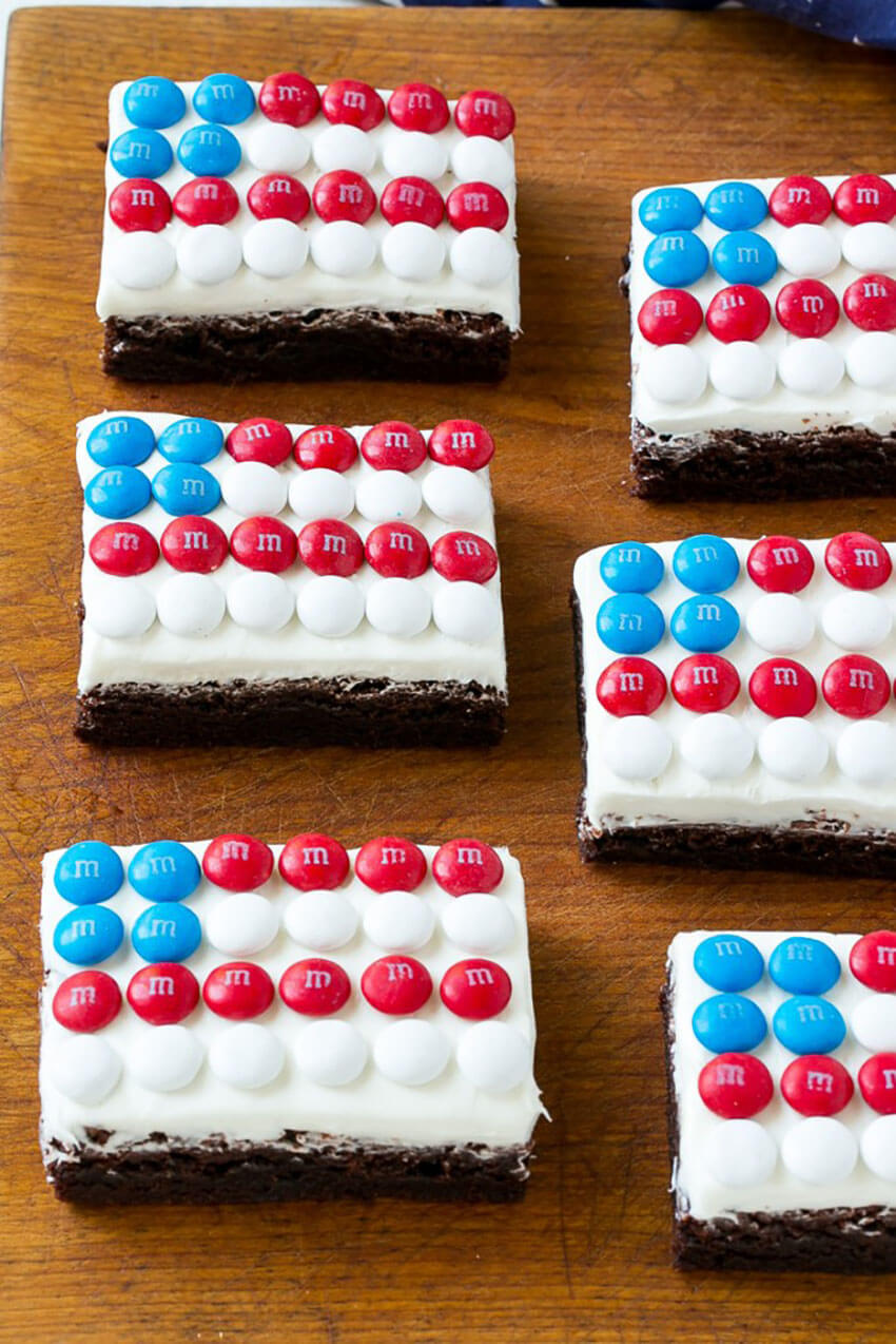 Everybody will be impressed with these flag brownies!