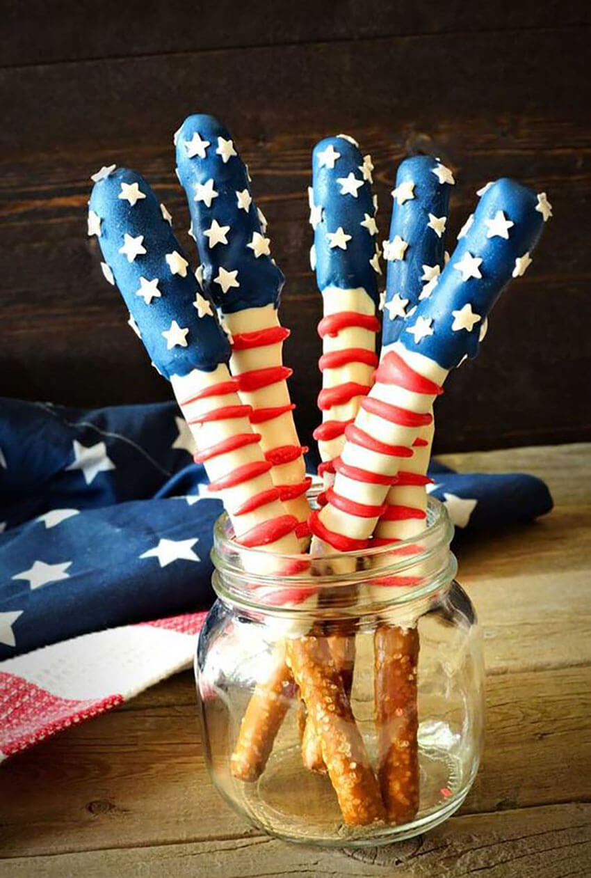 These patriotic pretzel rods are perfect not only for Memorial Day, but also for Veteran's Day and 4th of July.