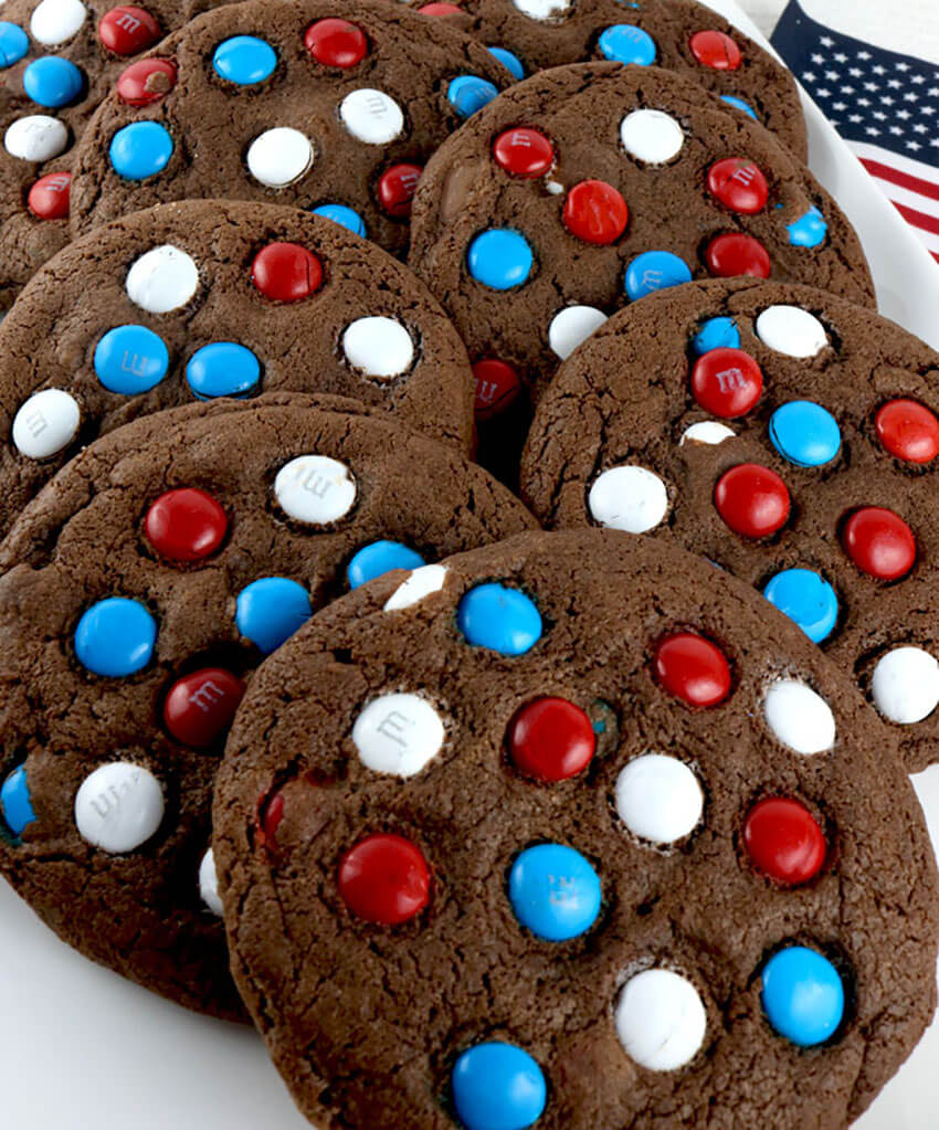 Everybody will love these delicious and patriotic cookies.