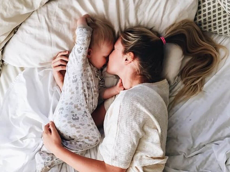 17 Heart-Warming Pictures of Moms and Kids to Celebrate Mother's Day