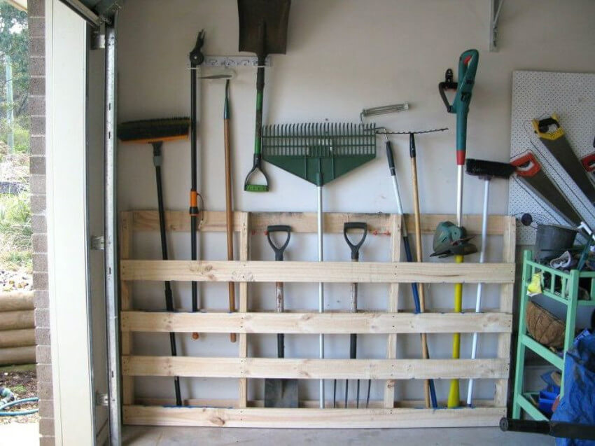 Organize your garage according to the space you have.