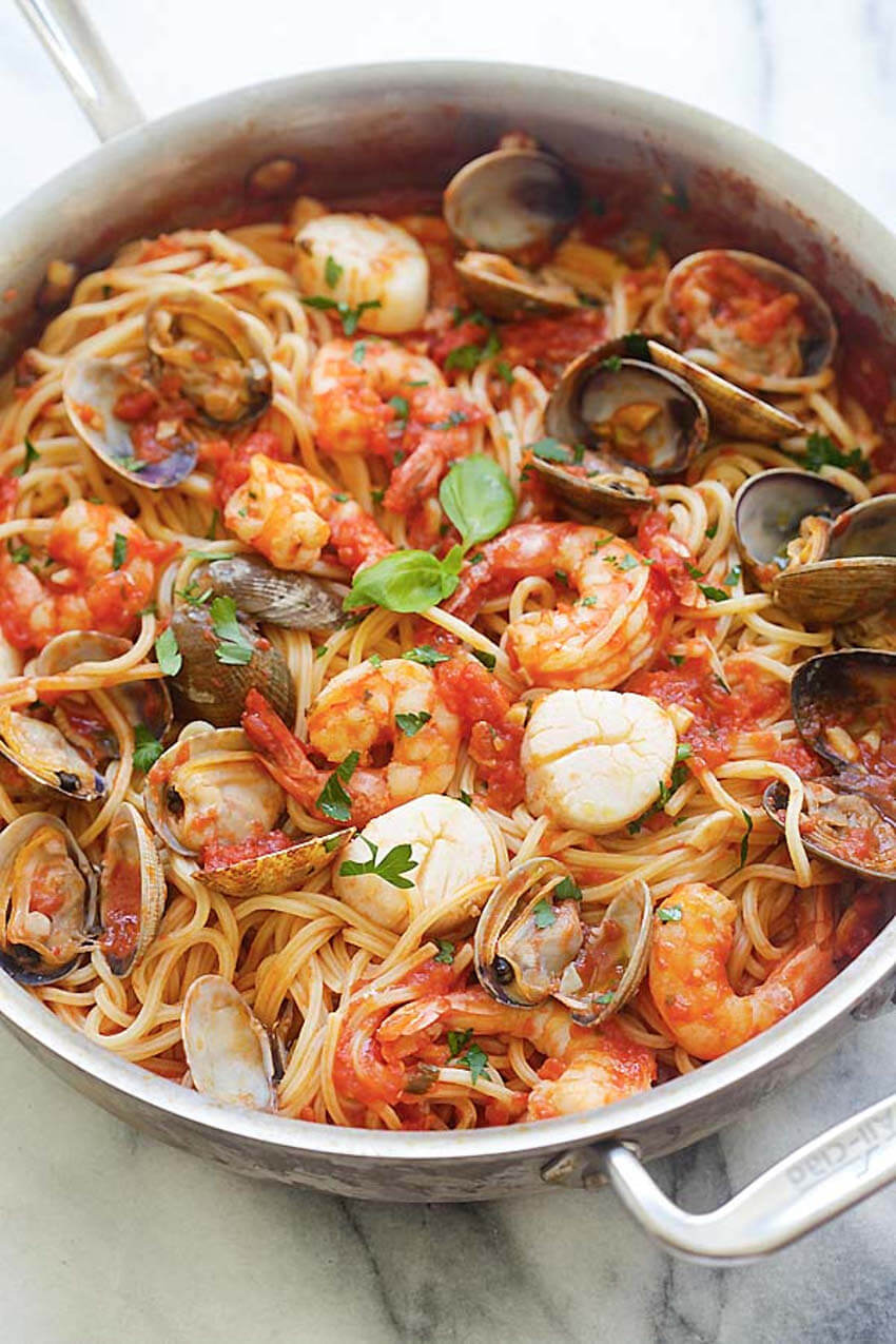 Seafood with tomato sauce, just so good!