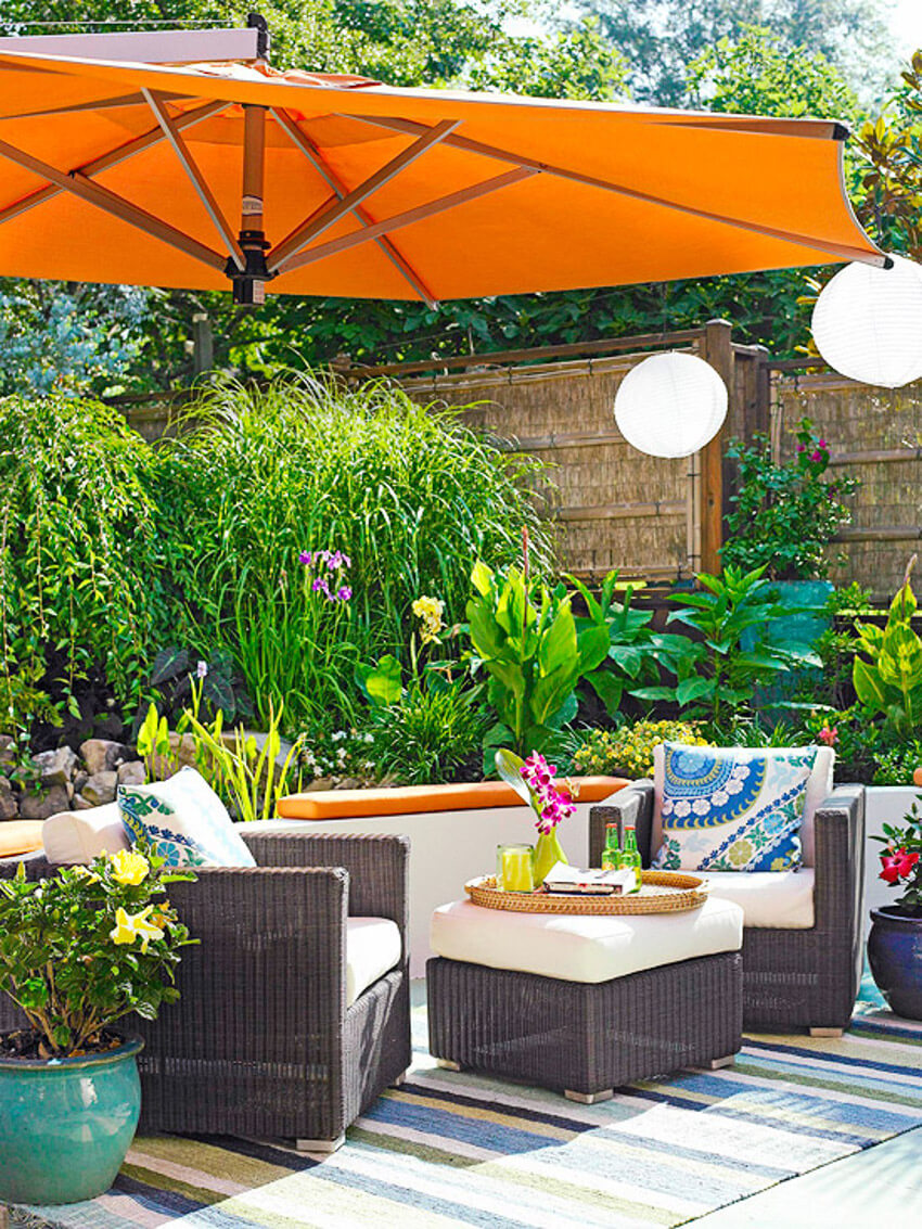 Combine the furniture with your personal style to get an amazing outdoor space.