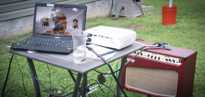 There are many alternatives for a good sound system to your movie session!
