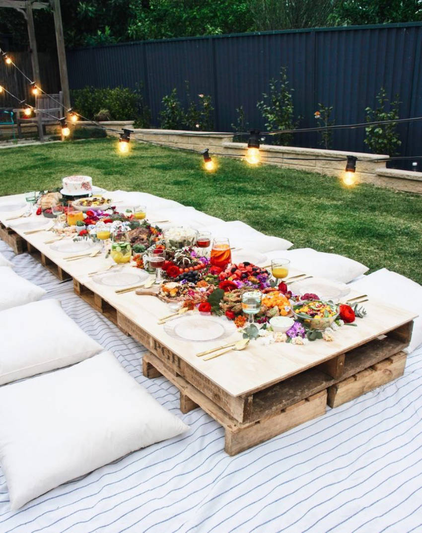 With this easy DIY table you can have a family size picnic!
