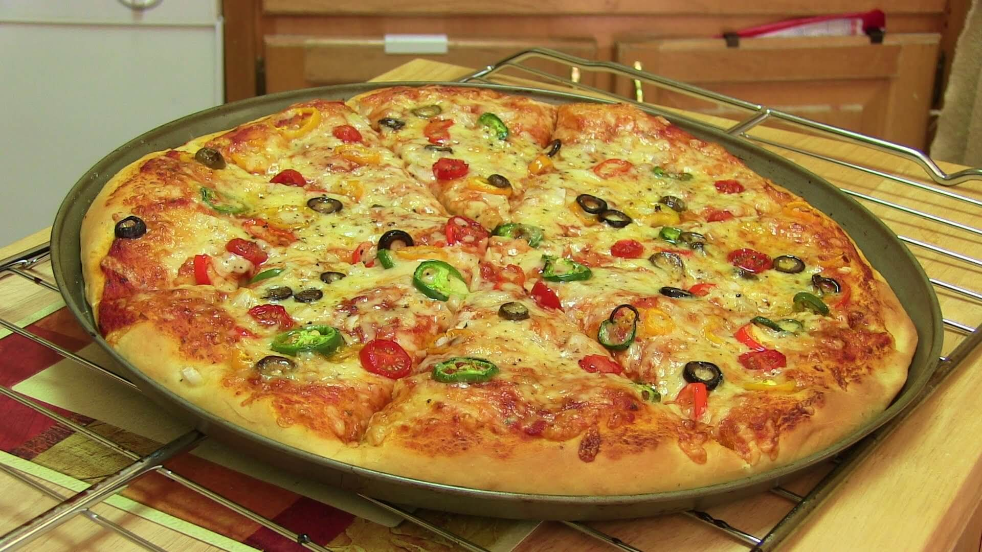 Delicious pizza that you made your self. DIY kitchen tips.