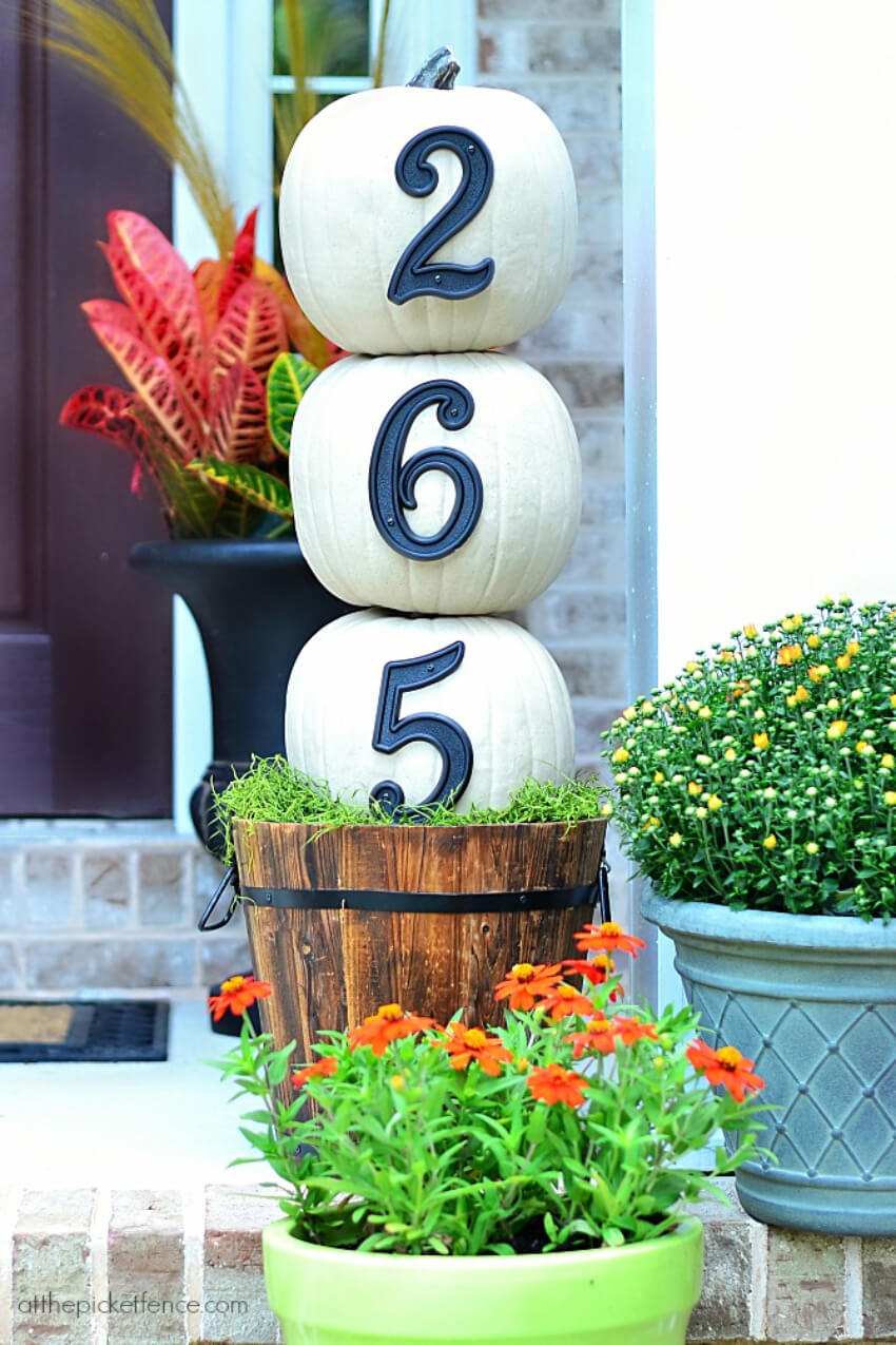 Make your house numbers way more interesting with pumpkins!
