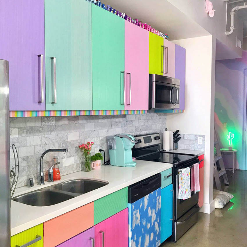Vibrant colors in the kitchen to cook in the best mood.