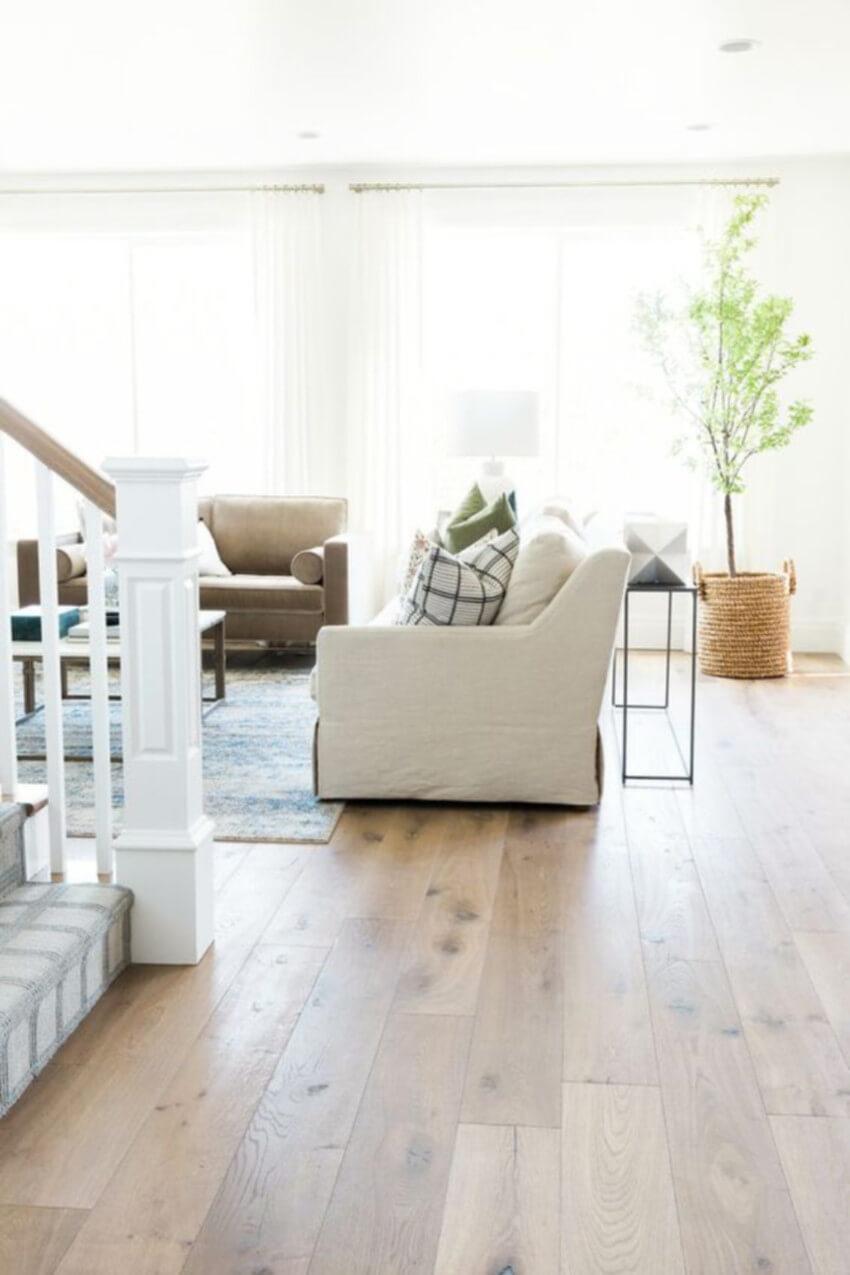 Everybody loves hardwood floors.