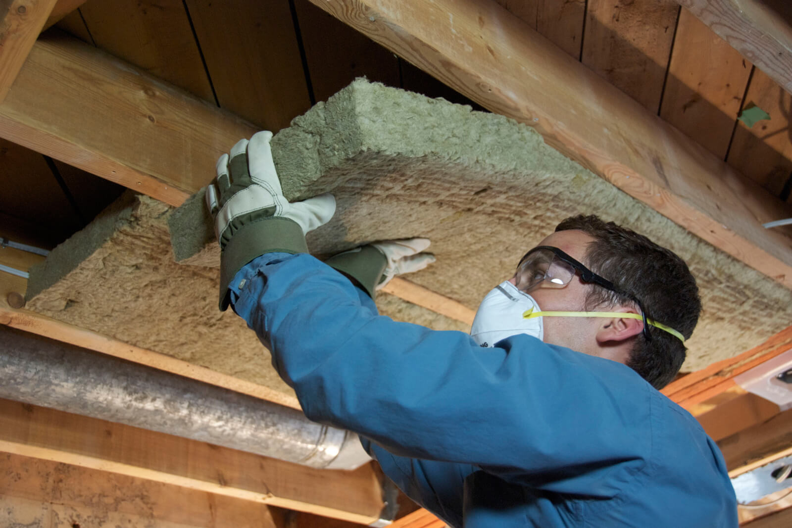 Installing insulation for your home
