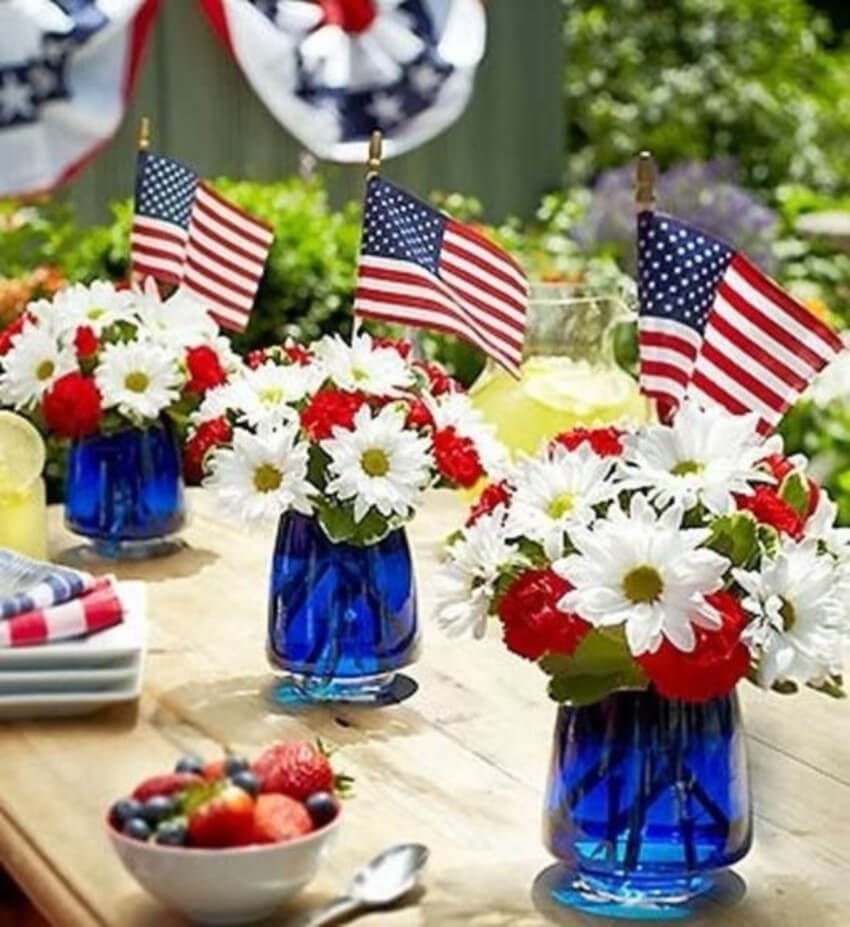 A patriotic centerpiece is simple and beautiful.