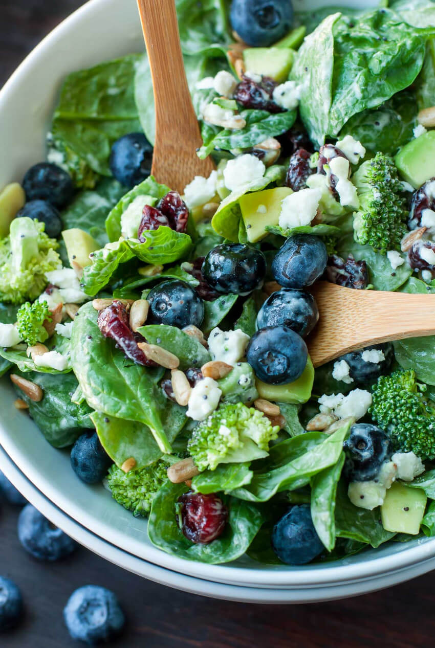 This interesting salad is perfect to make your lunch even better!