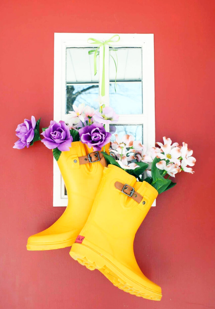Repurpose your old rain boots to make this lovely wreath!