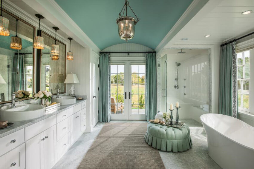 Matching colors and a clear space are a perfect way to set up the master bathroom!