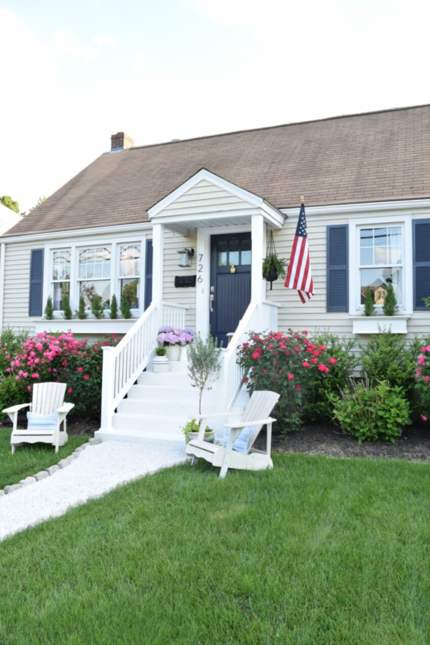 Add summer elements to increase your curb appeal.