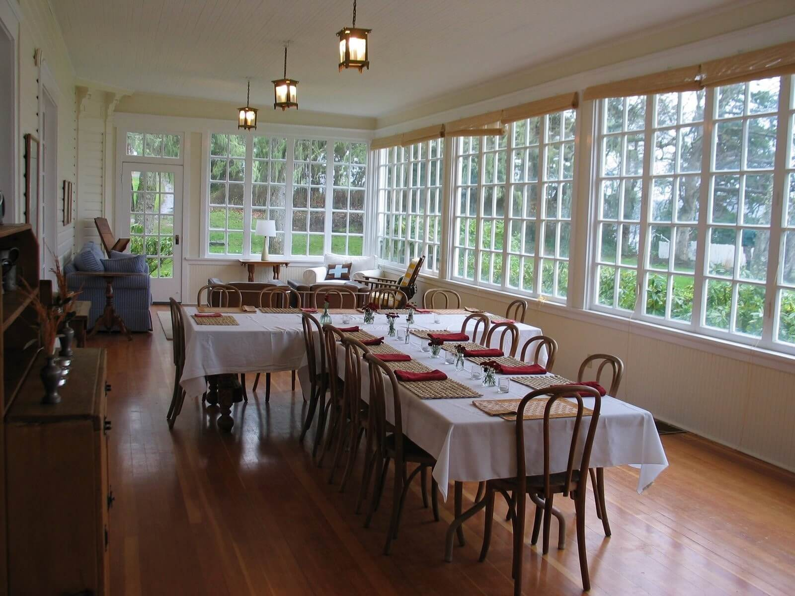 Use the sunroom as a place to enjoy meals with friends and family