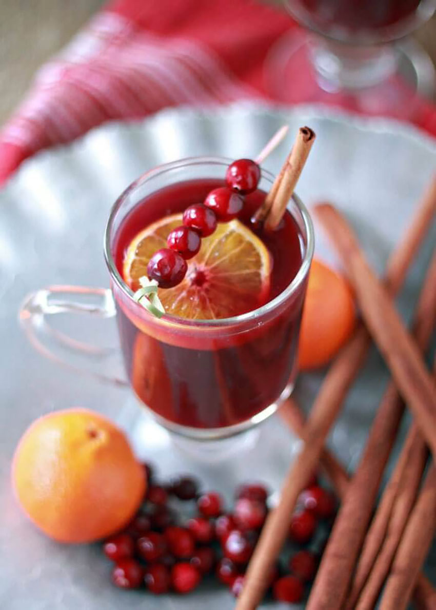 Slow Cooker Cranberry-Orange Mulled Wine